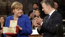 Kancelárka Merkelová dostala ocenenie za mierové úsilie