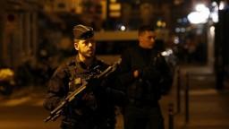 Francúzske úrady identifikovali muža, ktorý útočil v Paríži