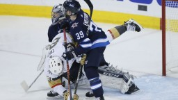 NHL: Hokejisti Winnipeg začali sériu úspešne, o víťazstve rozhodli už v úvode