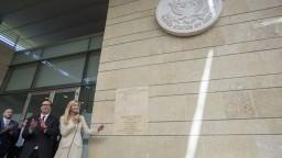 Oslavy i krvavé protesty. Presun ambasády vyvolal búrlivé reakcie