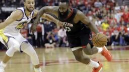 NBA: Golden State zdolali Houston, najlepším strelcom zápasu bol Harden