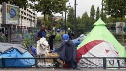 Do Bosny prišli tisíce migrantov, prespávajú v mestských parkoch
