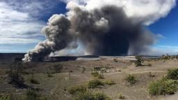 Havajská sopka stále chrlí lávu, hrozia zdravotné problémy
