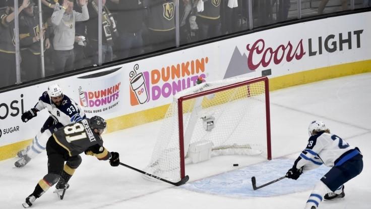 NHL: Vegas Golden Knights zvíťazili nad hráčmi Winnipegu, Tatar nebodoval