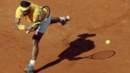 Nadal postúpil do štvrťfinále, poradil si s Kanaďanom Shapovalovom