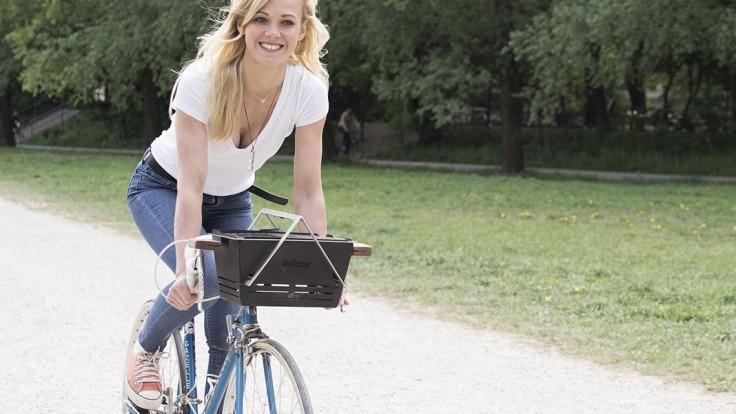 Rozťahovací gril Knister preveziete na akomkoľvek bicykli