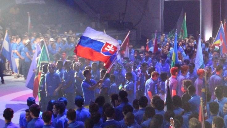 Naši šikovní študenti sa opäť vyberú na medzinárodnú robotickú olympiádu