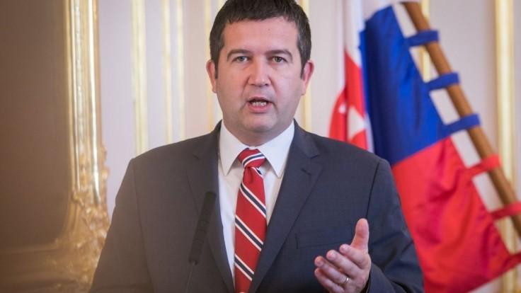 Kandidáti na ministrov sú známi, Zeman mal k jednému výhrady