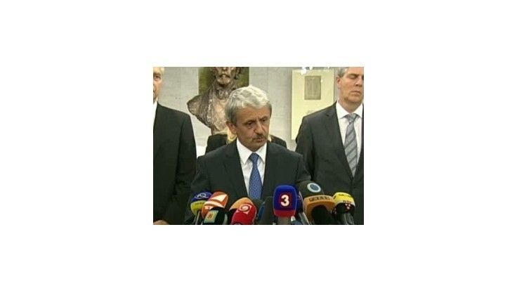 Prvoradou úlohou je podľa Dzurindu dohodnúť so Smerom euroval