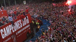 V Madride tieklo šampanské, Atlético oslavovalo triumf v EL