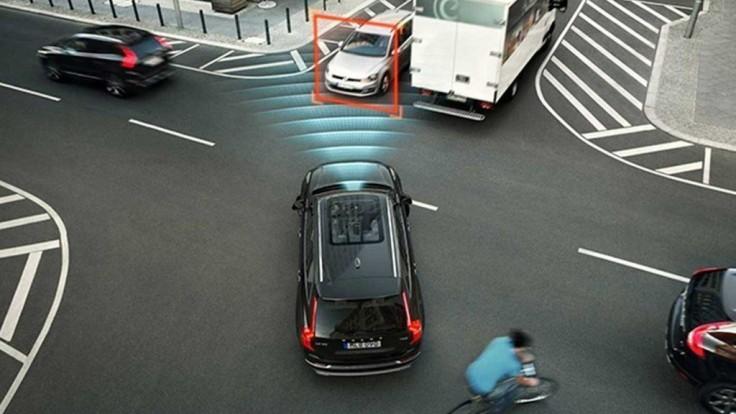 Týchto 11 asistenčných systémov má byť povinnou výbavou nových áut