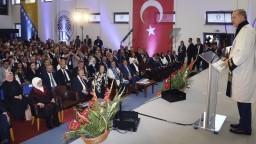 Erdogan sa snaží získať voličov v zahraničí, príhovor si vypočuli tisícky ľudí
