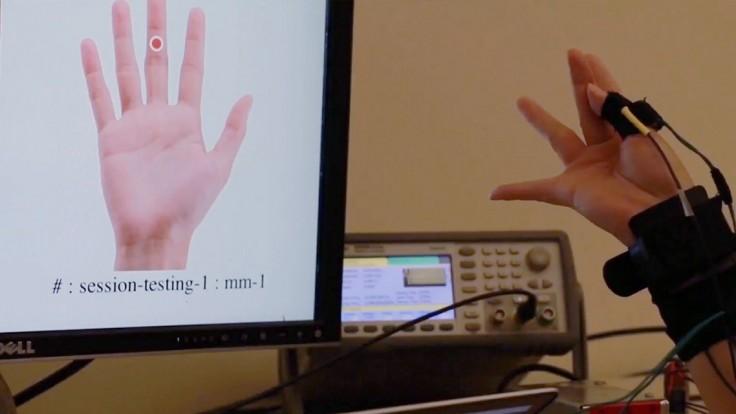 FingerPing na rozpoznanie posunkovej reči využíva paradoxne zvuk