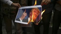 USA sa vyhrážajú najtvrdšími sankciami, Irán to zosmiešňuje