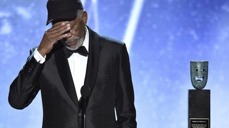 Freemana obvinili z obťažovania, za svoje správanie sa ospravedlnil