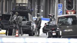 Alláhu akbar, kričal útočník v Belgicku. Zahynuli policajti aj on