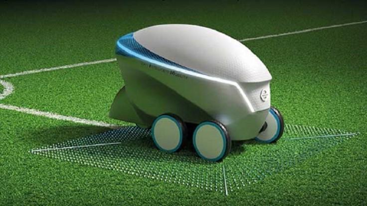 Nissan previedol robota, ktorý sám maľuje futbalové ihriská