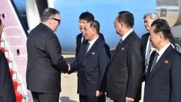 Kimov poradca sa stretol s Pompeom, zachraňujú summit lídrov