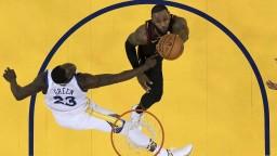 NBA: LeBron ukázal skvelý výkon, na víťazstvo to však nestačilo