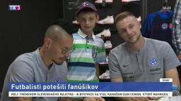 Futbalisti potešili fanúšikov na spoločnej autogramiáde