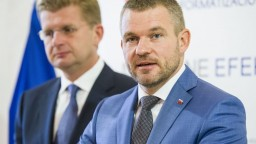 Premiér skontroluje elektráreň v Mochovciach, dostavba môže meškať