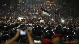 Protesty v Jordánsku prerástli až do demisie predsedu vlády