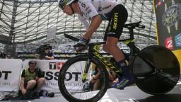 Pokojná úvodná etapa Critérium du Dauphiné korisťou Impeyho