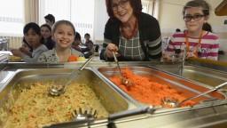 Deťom na ZŠ uhradia obedy, opatrenie bude stáť desiatky miliónov
