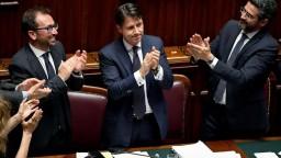 Poslanci dolnej komory vyslovili dôveru novej talianskej vláde