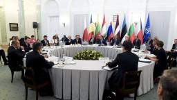 Ľudia našich krajín majú z Ruska strach, potvrdili prezidenti B9