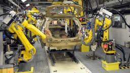 Ekonomický rast sa zrýchľuje, pomohli investície a spotreba