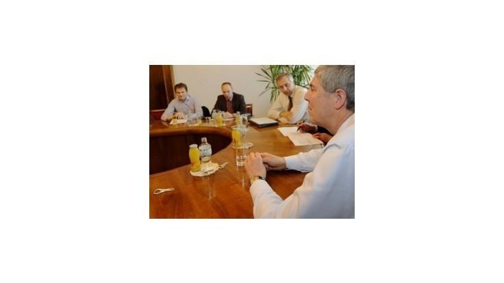 Opozícia si rýchlo rozdelila posty, tlak premiéra Fica odmieta