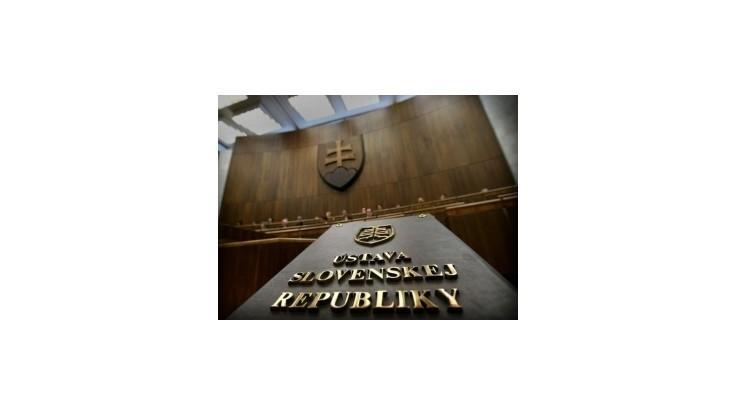 Poslancov prestane chrániť trestnoprávna imunita