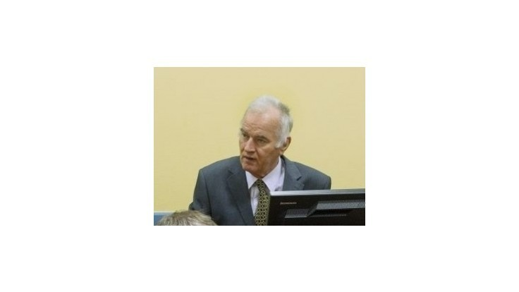 Generál Mladič sa na súde posmieval príbuzným obetí
