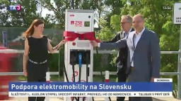 V Bratislave otvorili prvú rýchlonabíjaciu stanicu, plánujú ďalšie