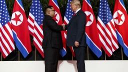 Slovenskí politici reagujú na stretnutie Trumpa s Kimom skepticky