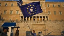 Grécku sa začalo dariť, krajina sa vráti na trhy