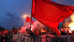 Macedónsky prezident odmietol dohodu premiérov, budúcnosť názvu je neistá