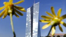 ECB možno ukončí nákup dlhopisov, malo by to veľké dôsledky
