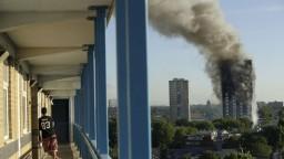 Londýn si pripomína výročie tragického požiaru