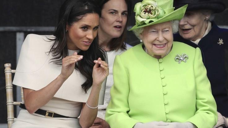 Meghan absolvovala svoju prvú cestu s kráľovnou Alžbetou