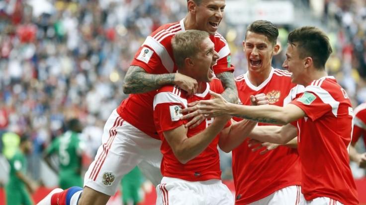 Otvárací zápas majstrovstiev zvládli ruskí futbalisti bez problémov