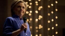 Za volebnú porážku Clintonovej nemohol, exšéfa FBI očistili