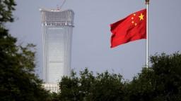 Rozbieha sa súboj titanov, USA zavádzajú vysoké clá voči Číne