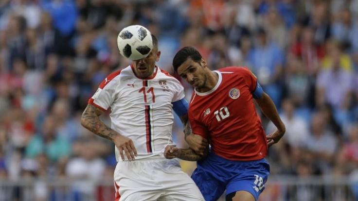 Kolarov vystrieľal Srbsku 3 body, Navasa prekonal z priameho kopu