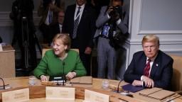Merkelová dostala ultimátum od svojho ministra, zaútočil i Trump
