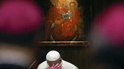 Pápež odsúdil útoky na médiá, vyzval na ich väčšiu slobodu