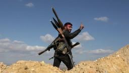 Sýria pokračuje v ofenzíve, USA varujú pred odozvou