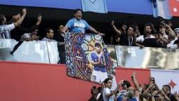 Maradona emotívne povzbudzoval rodákov, po zápase mu prišlo zle