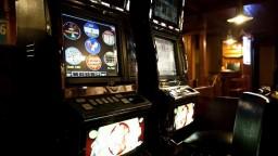 Veľká akcia proti nelegálnemu hazardu, zasiahli v 100 prevádzkach